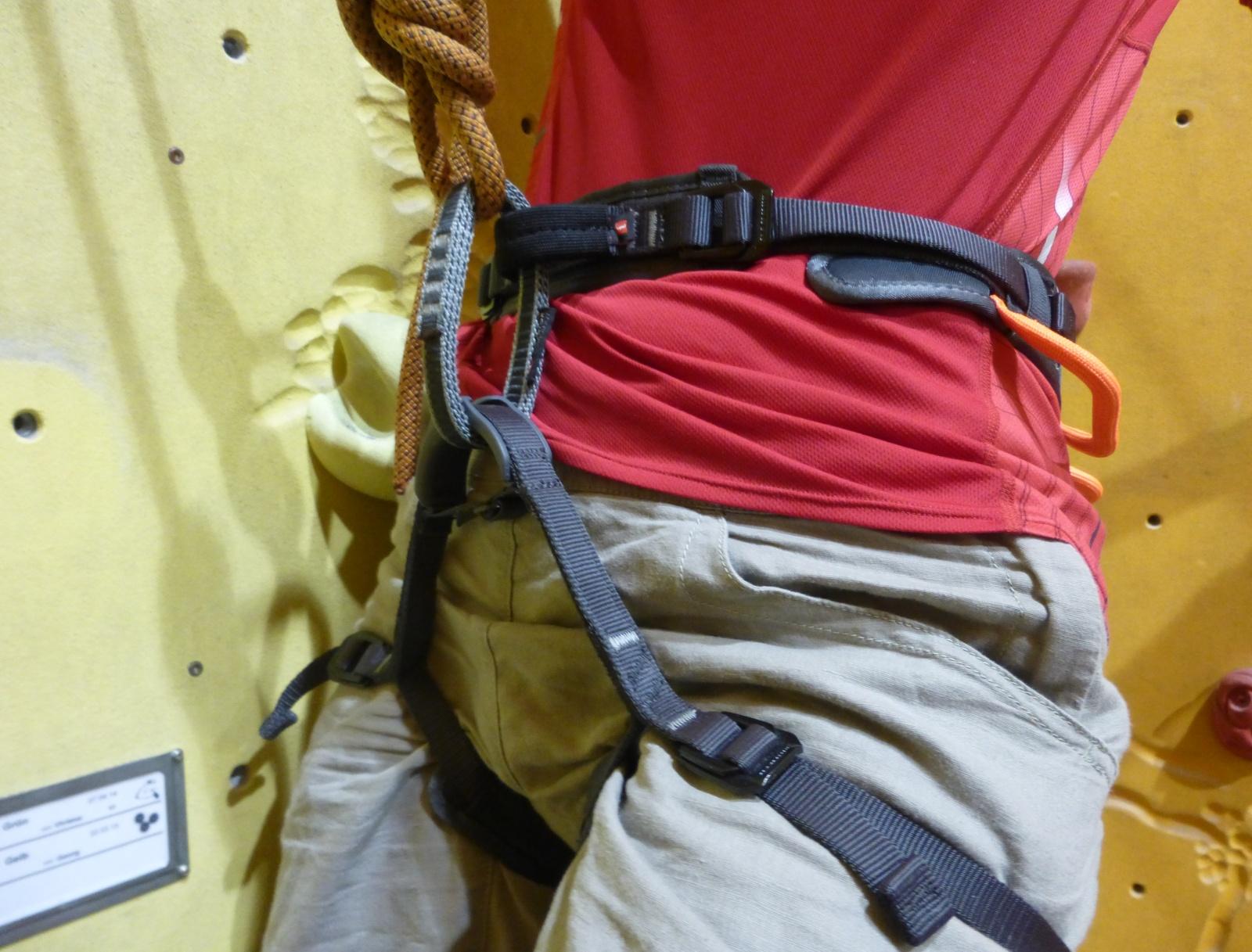 Klettergurt Materialschlaufen : Test klettergurt ophir slide von mammut modell